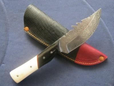 Damascus Steel Pocket Skinning Knife