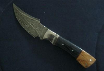 Damascus Blade Dagger Style Pocket Knife